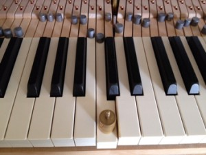 鍵盤鉛を追加する位置決め
