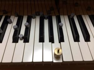 鍵盤に鉛を追加