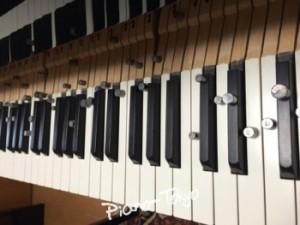 鍵盤に鉛を配置