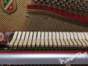 アクションをピアノにセット