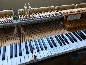 鍵盤鉛の位置決め